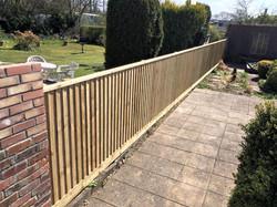 featheredge-fence-bristol(2)_edited