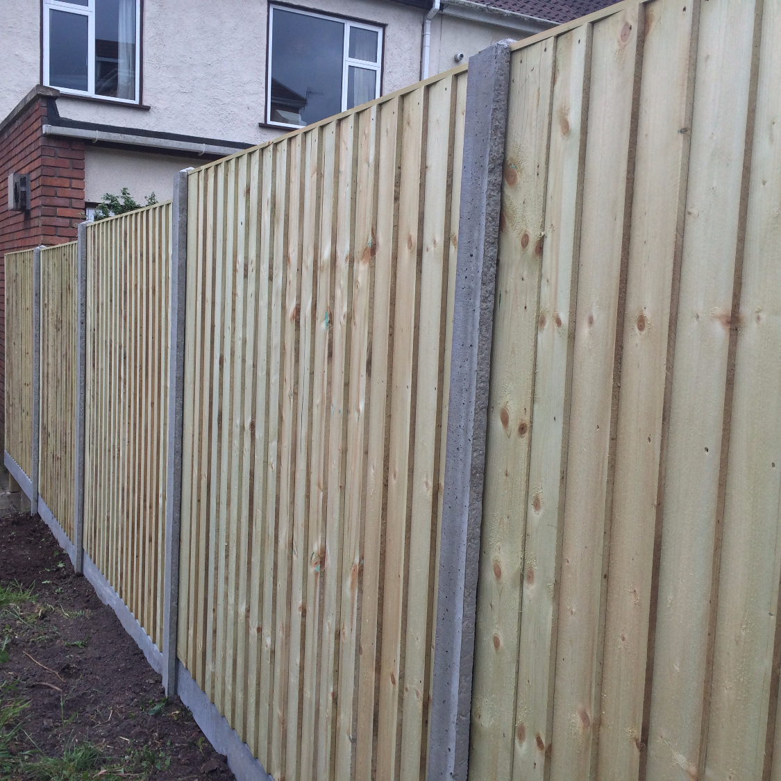 pressure-treated-closeboard-fence-panel-bristol_edited