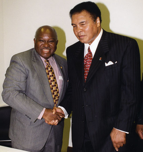 Owens with The Greatest, Muhammad Ali.