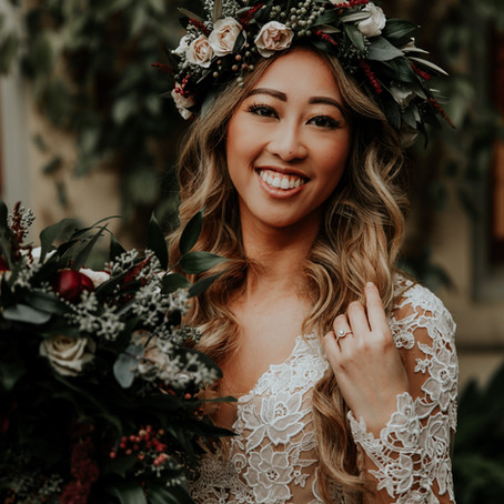 10 Ways to Wear Flowers in Your Hair