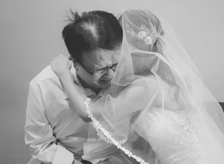 The advantages of having a female wedding photographer for your actual day wedding photography