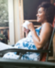 Femme enceinte de jouir de sa boisson
