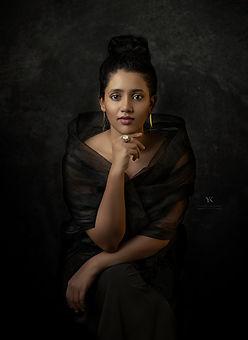 Lady_in_black.jpg