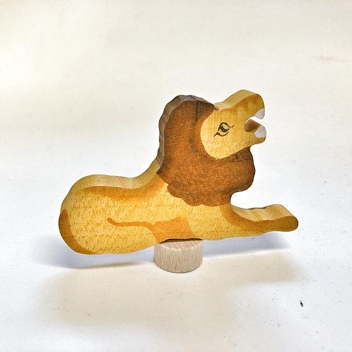 Grimms Steckfigur Löwe