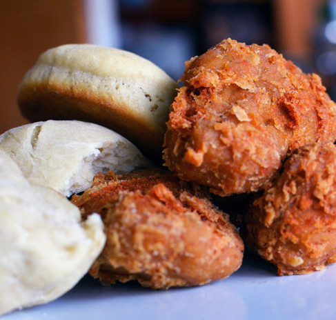 """These Vegan Fried """"Chicken"""" Recipes Are Bomb"""