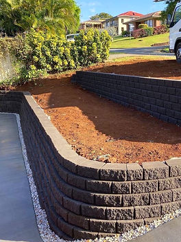 Landscape Contracting Retaining Walls Service
