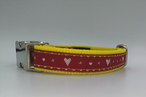 """3/4"""" (19mm) Webbing Dog Collar with Red and White Ribbon with Hearts 11"""" - 15"""""""