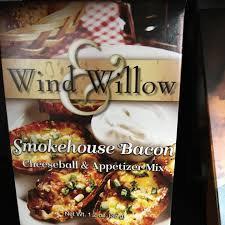Wind & Willow Smokehouse Bacon Cheeseball & Appetizer Mix
