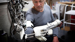 'Bionic spinal cord' aims ...