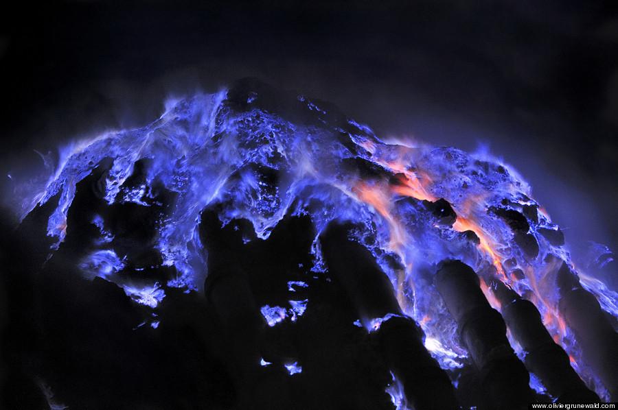 Spectacular Neon Blue Lava