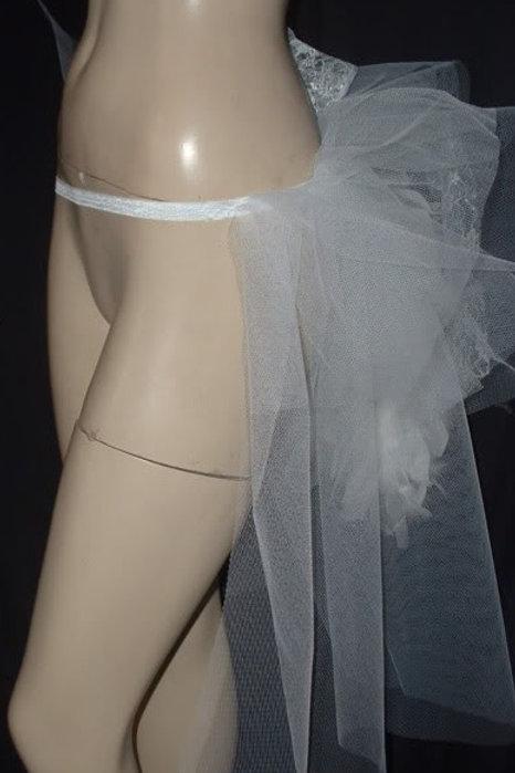 White net bustle on white elstic