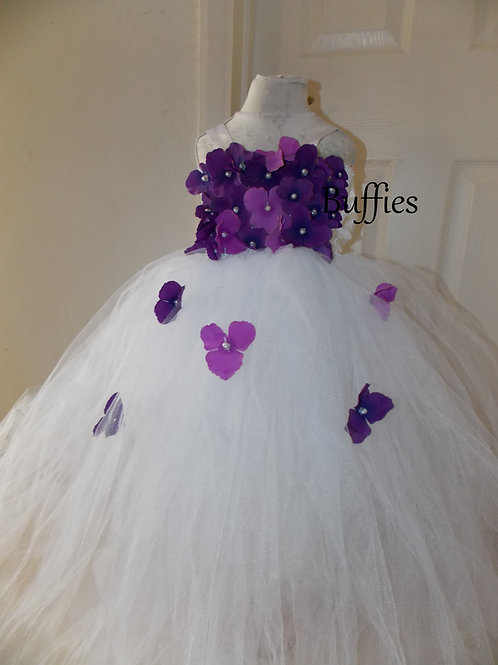White tulle dress with flowers ages 1-10
