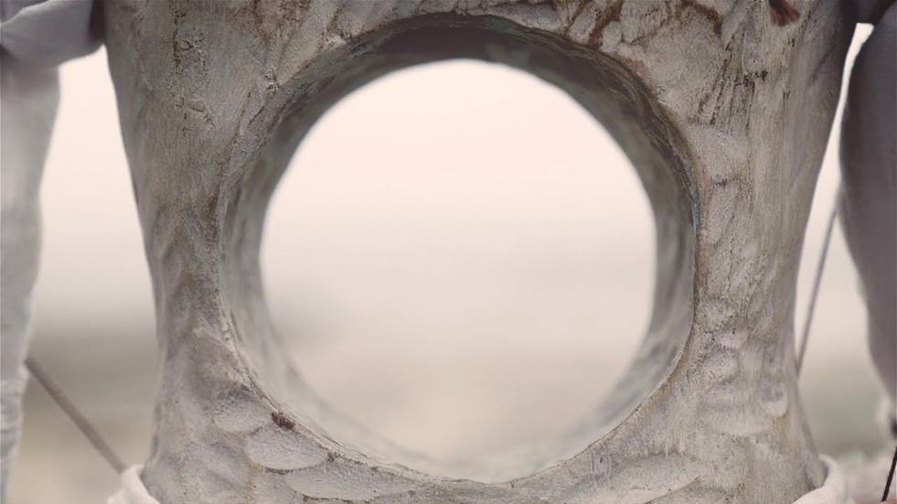ヨルシカ「心に穴があいた」Yorushika - Hole In The Heart