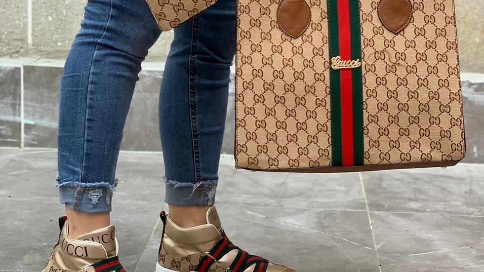 Gucci handheld set