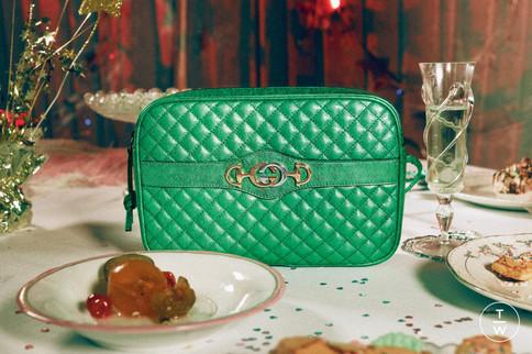 gu605-gift-giving-18-pr-crops-32-150dpi-