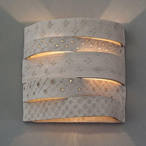 מנורת קיר פסים מוטבעים אפורה