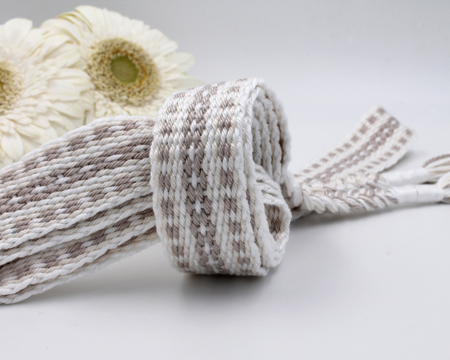 Handfasting Cord - Holding Union  (7)