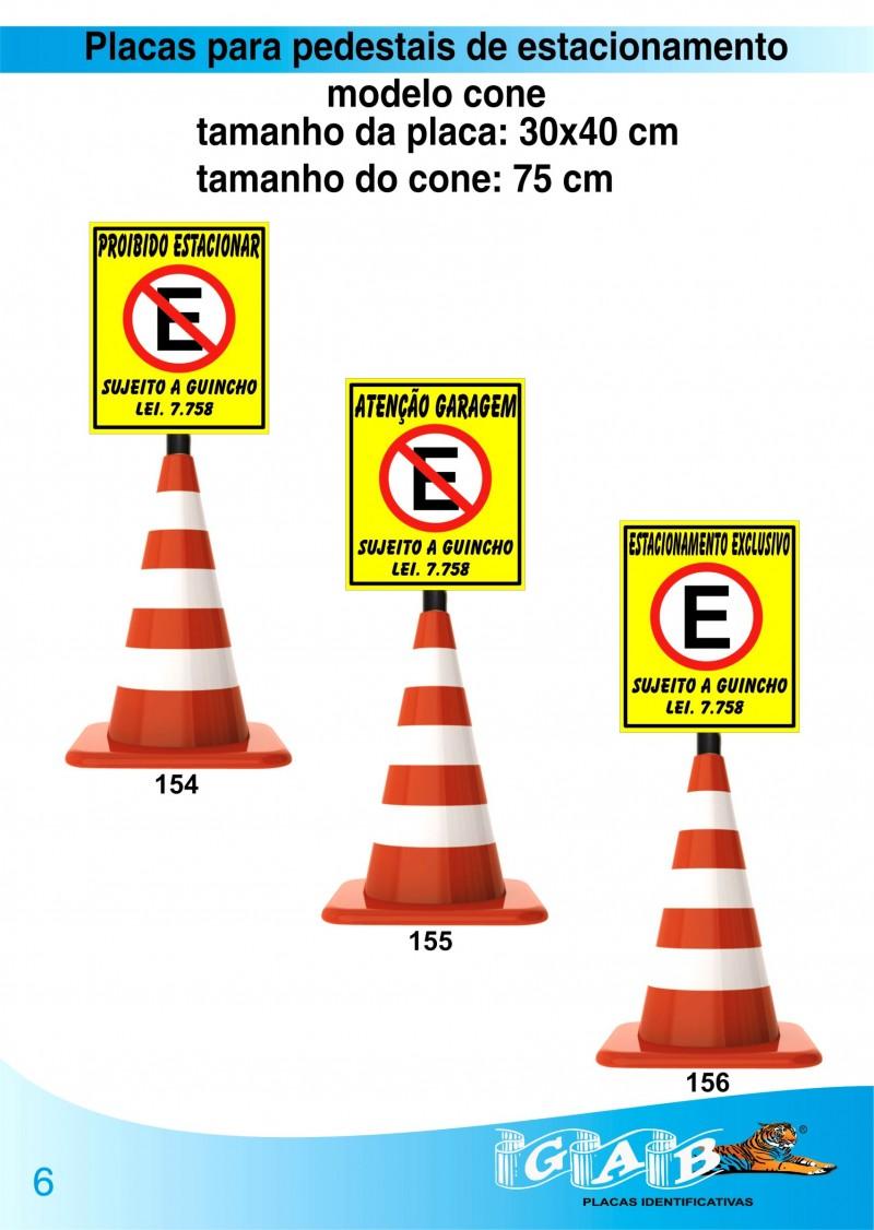 Pedestais modelo cone para estacionamento