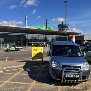 Tým Odvezem Tě na letišti v Katowicich