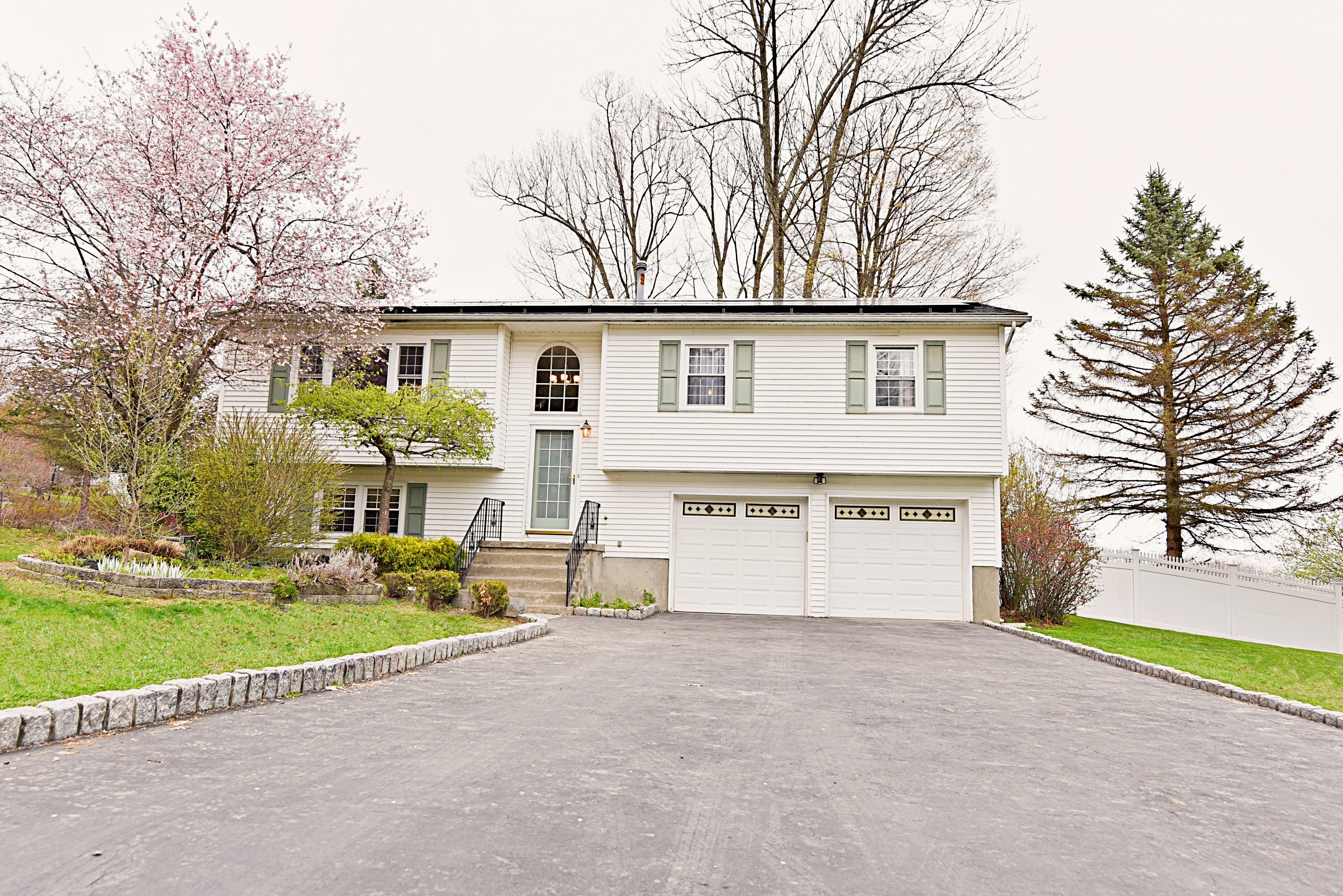 2 Candlewood Rd, Harriman, NY