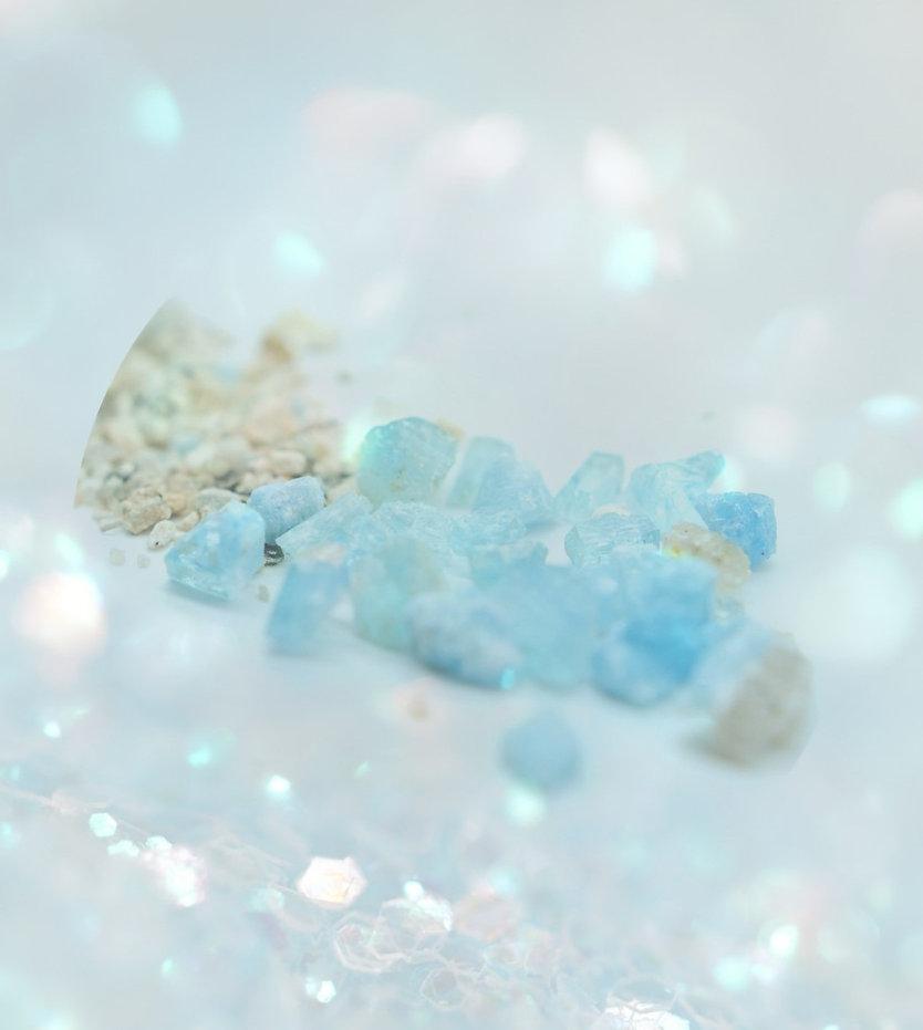 Aquamarine%20Crystal_edited.jpg