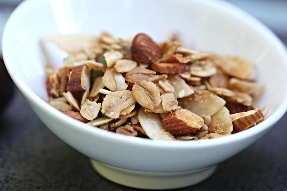 Almond pumpkin seed granola