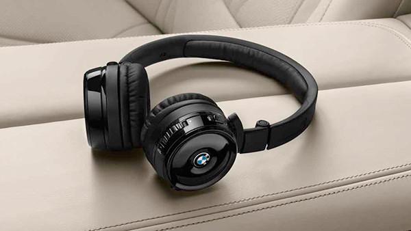 a17_info_on_ear_wireless_headphones_pn24