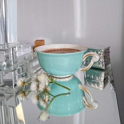 Tasse vintage porcelaine bleue ciel