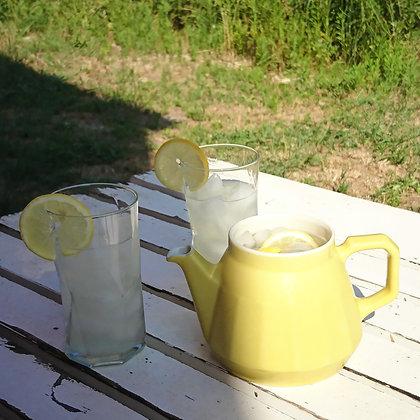 Pichet vintage années 70 jaune pâle en céramique