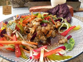 Coques en Salade, vinaigrette à l'Aka miso, Parfums d'Houttuynie Tricolore.