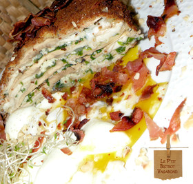 Coulemelles en Mille-feuille Croustillant, œuf Poché, Poitrine Fumée