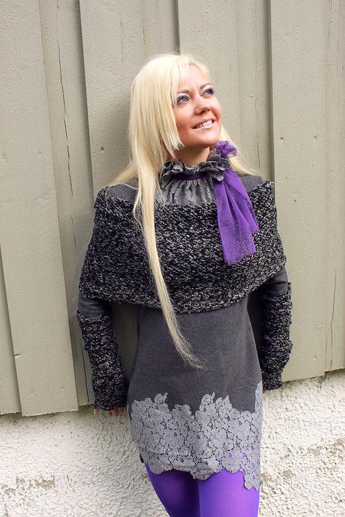 feminine and chic tunic-dress