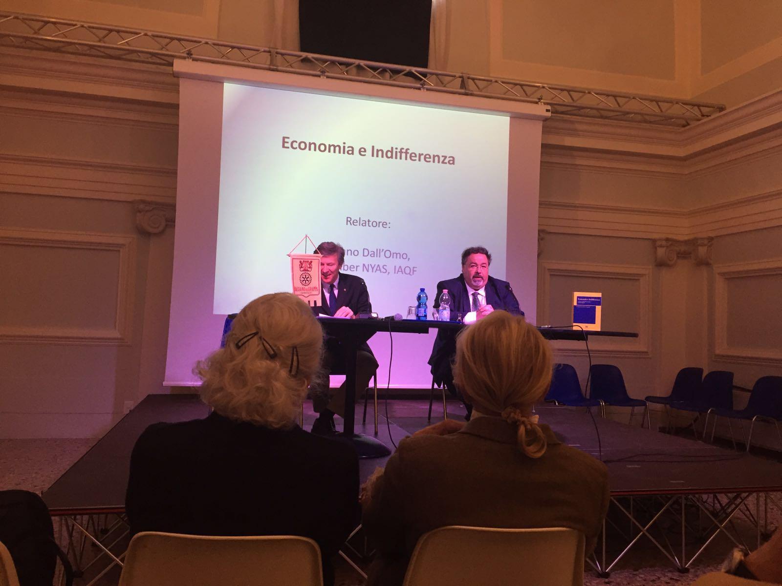 Tiziano Dall'Omo alla Conferenza Rotary Bassano del Grappa il 18 Aprile 2016 sul tema Economia e Ind