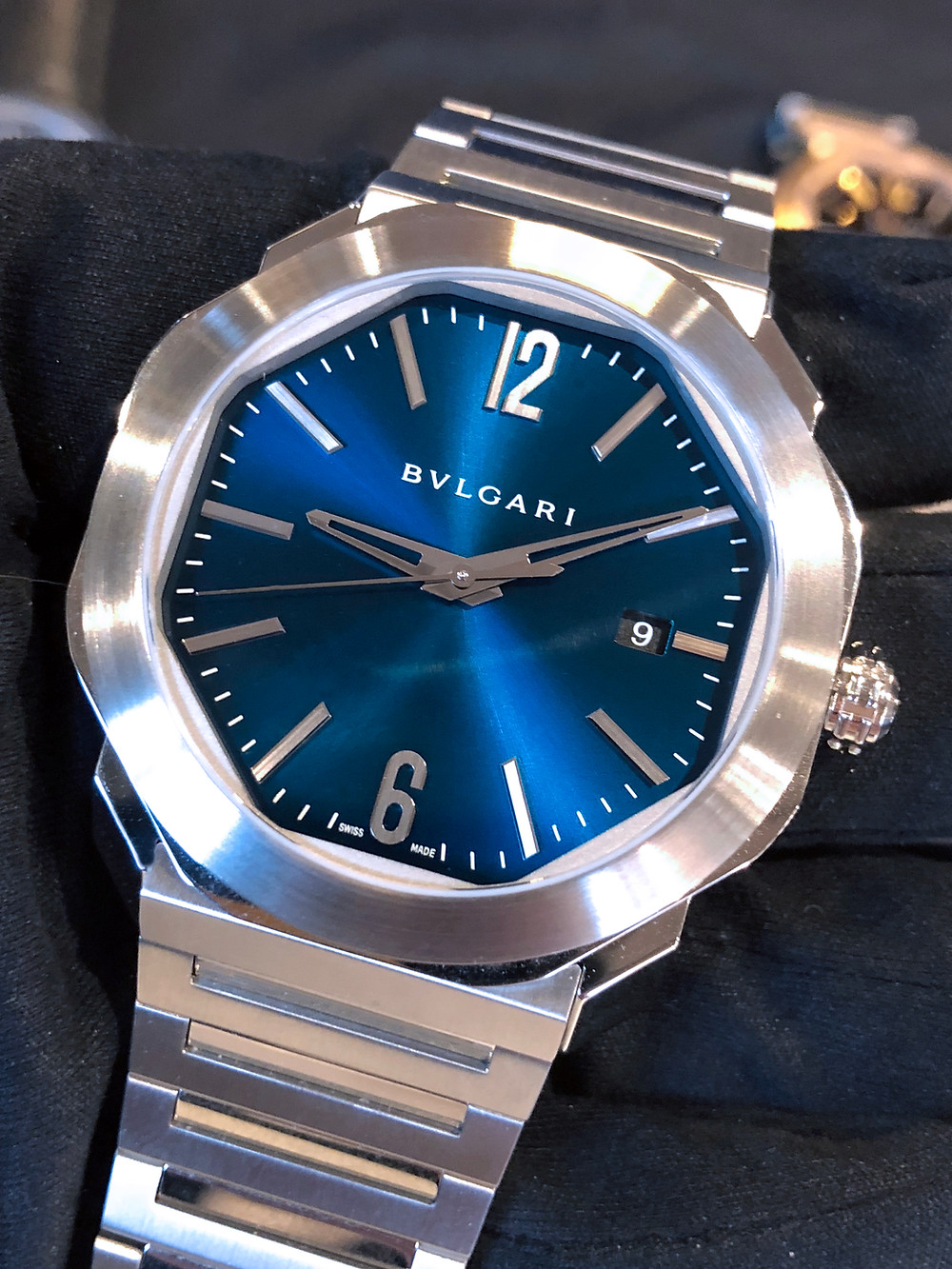 OCTO ROMA 腕錶 41毫米直徑精鋼或精鋼與18k玫瑰金錶殼(視乎型號而定)/小時、分鐘與秒指示/BVLGARI自製Calibre BVL 191 Solotempo型號自動上鍊機芯,42小時動力儲存。