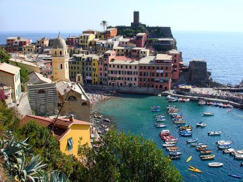 Vernazza Harbor (Cinque Terre, Italy)