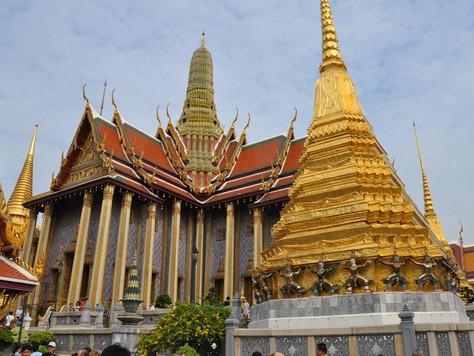 Wat Phra Kiew Grounds (Bangkok, Thailand)