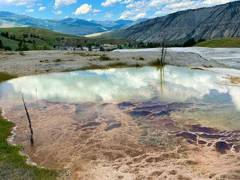 Yellowstone & Grand Tetons Part 1: Montana, Yellowstone (Mammoth to Geyser Basin) & Travel Tips
