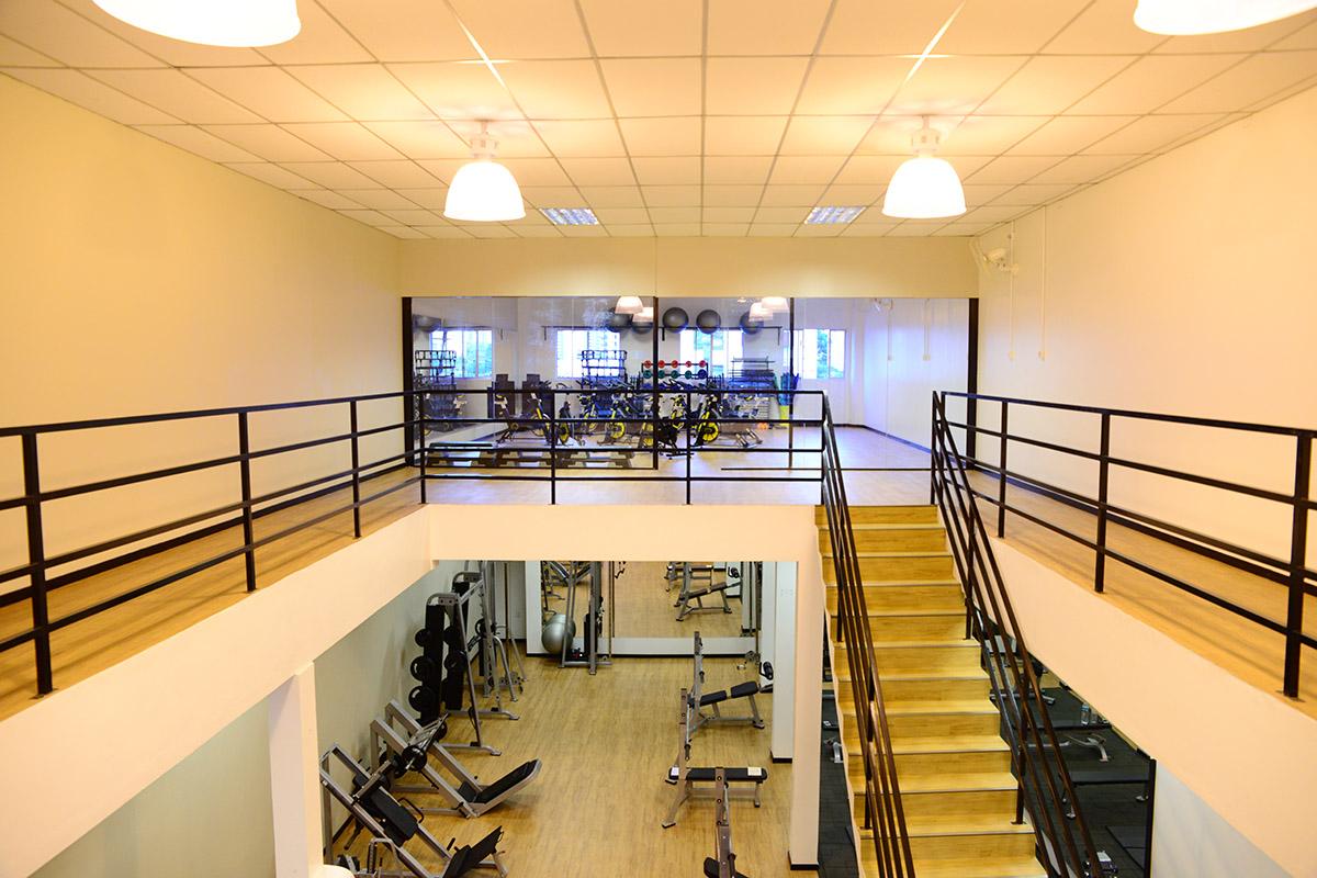 Sala de musculação ampla