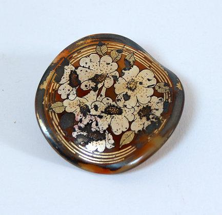 Broche ancienne bakélite peinte