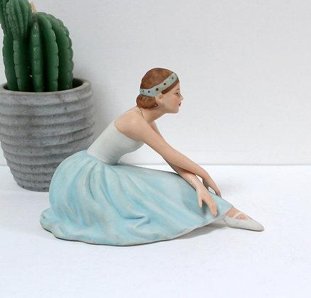 Ballerine en porcelaine ancienne