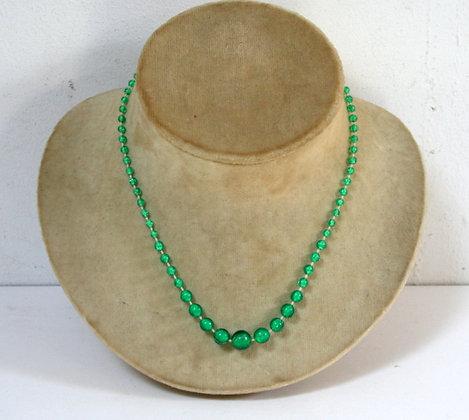 Petit collier fantaisie vert d'enfant