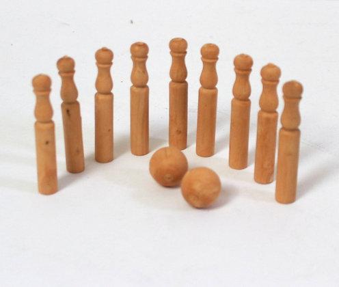 Quilles miniatures en bois