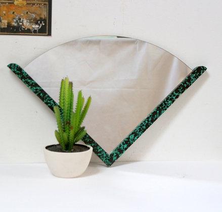 Miroir triangulaire