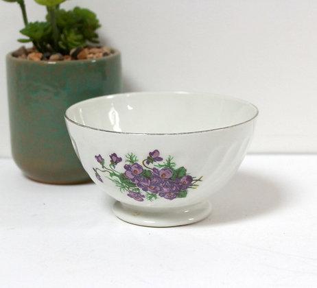 Petit bol aux violettes