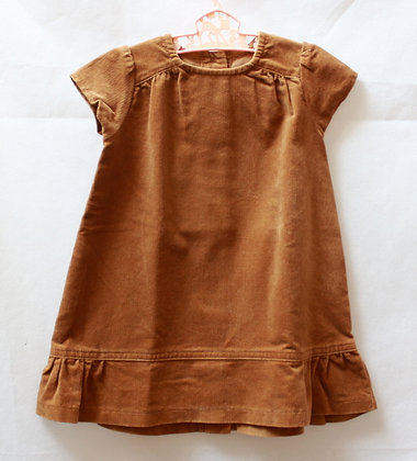 Robe en velours couleur caramel