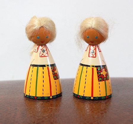 Figurines Estoniennes vintage