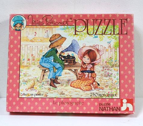 Puzzle vintage Miss Petticoat