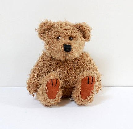 Petit ours assis