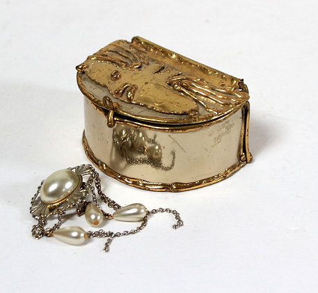 Petite boîte à bijoux en laiton