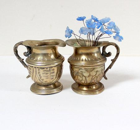 Minuscules vases pichets argentés